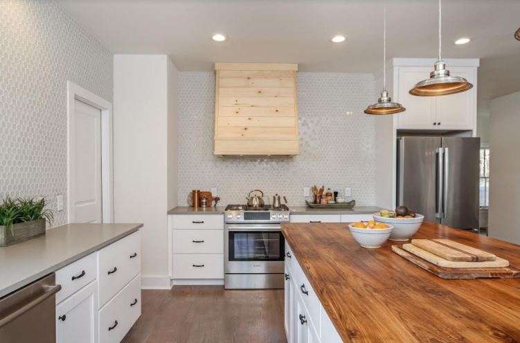 Award-Winning Jamestown RI Farmhouse Kitchen