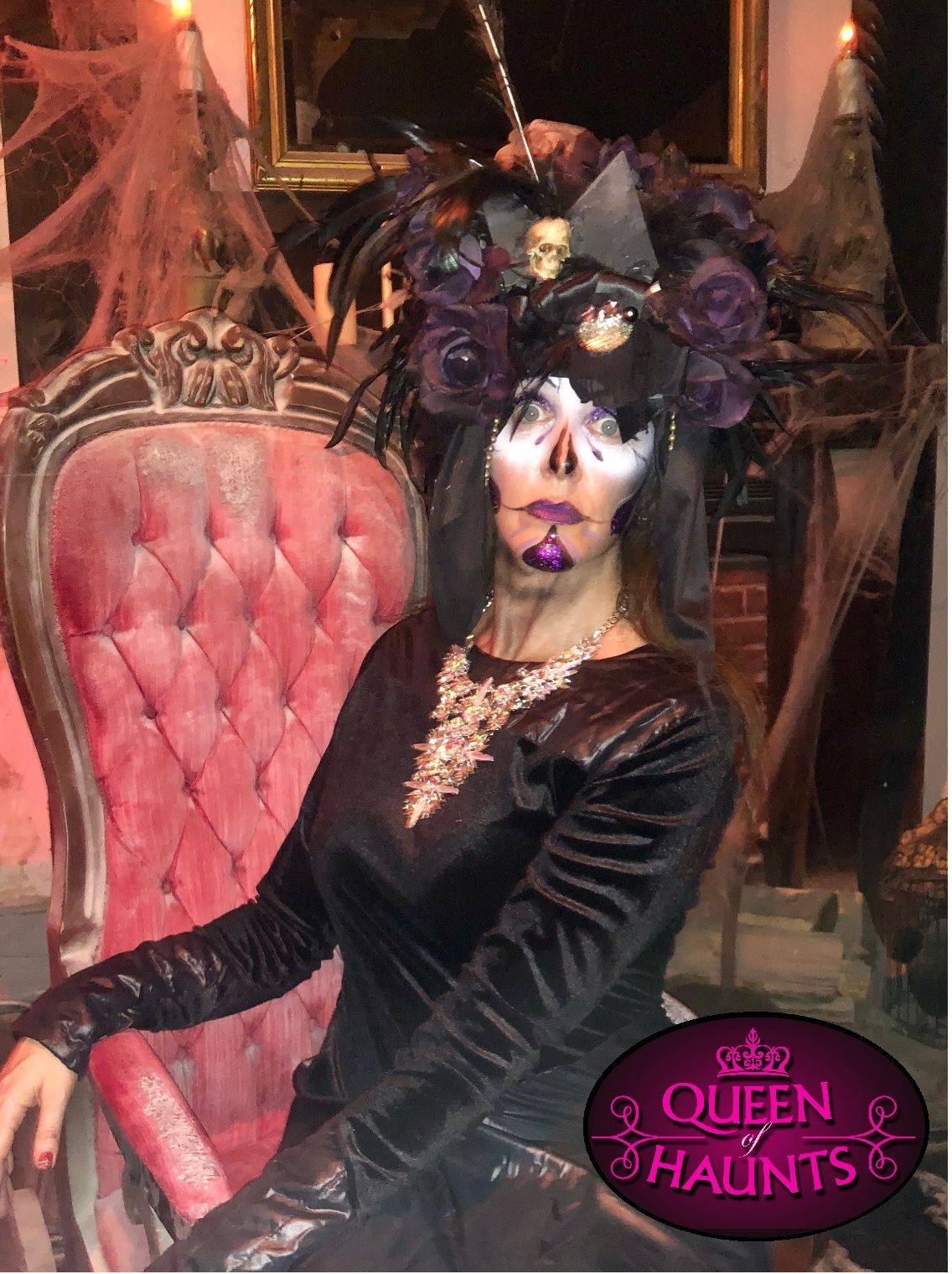 Queen of Haunts - Halloween and Haunt Expert